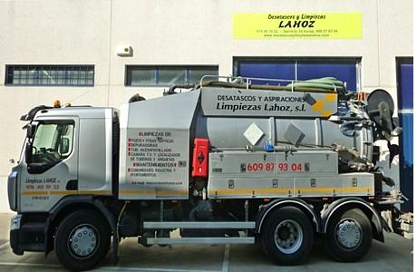 Camión limpieza y aspiración para industria y alcantarillado en general